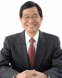 代表 岩井 俊憲の写真